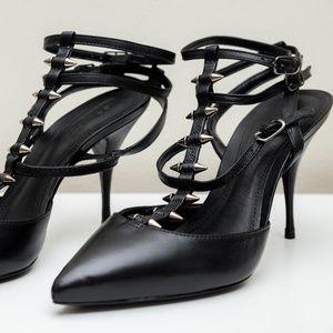 ⚡NWOB⚡ Schutz Strappy Black Pumps w/Studds size 8B
